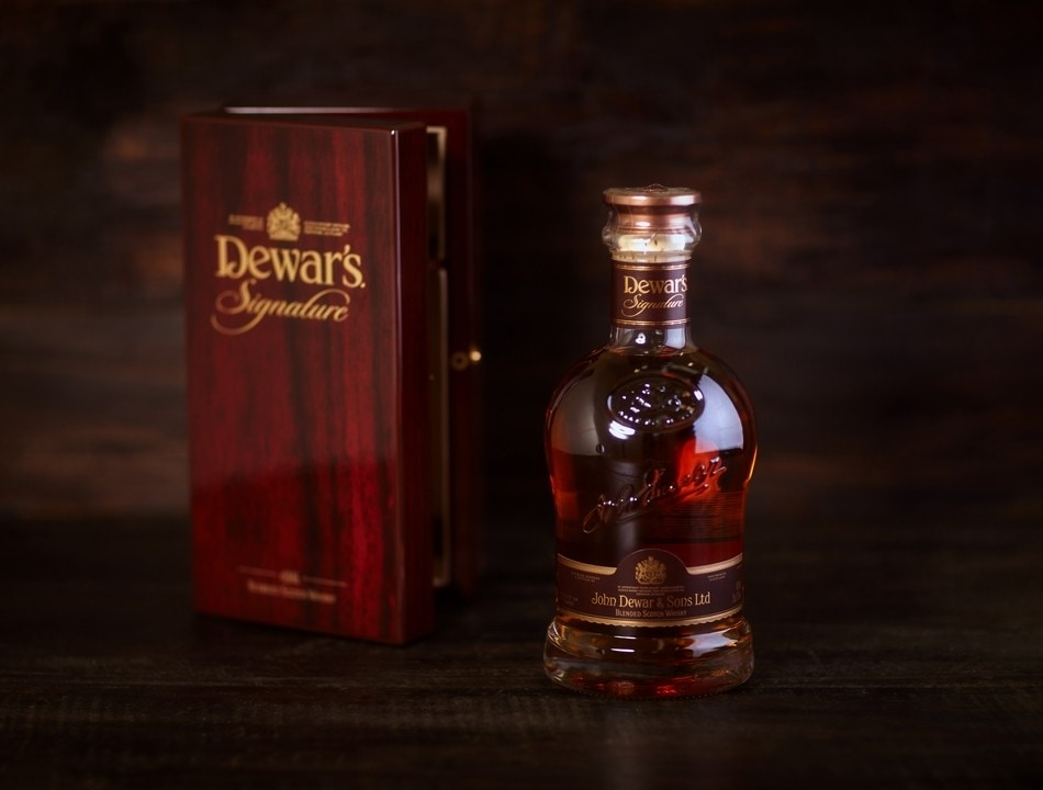 Dewars Signature 21 YO Whisky  075